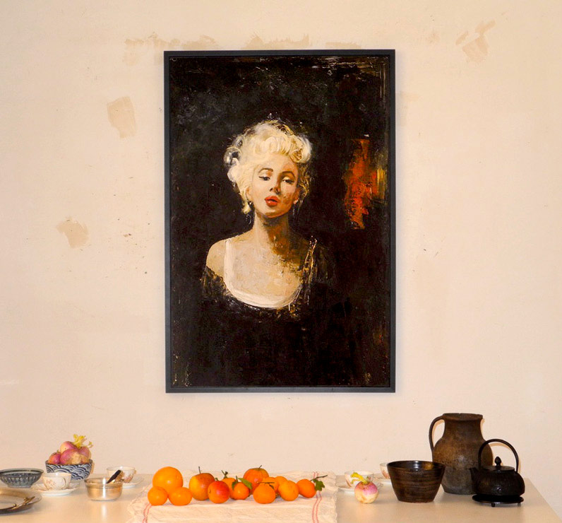Marylin_at_home-r